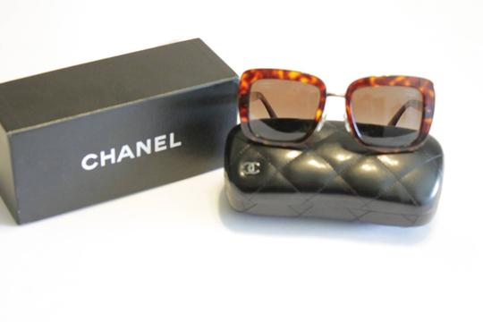 Chanel Chanel Brown Tortoise Polarized Sunglasses 5369 Gold Tone Quilted Arms Image 2