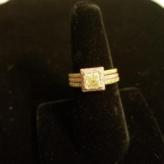 Boutique Europa 3 Rings Set Of Natural Fancy Yellow and Pink Diamonds. Size 52. Women's Wedding Band Image 2