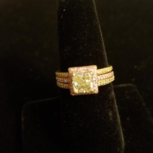 Boutique Europa 3 Rings Set Of Natural Fancy Yellow and Pink Diamonds. Size 52. Women's Wedding Band Image 3