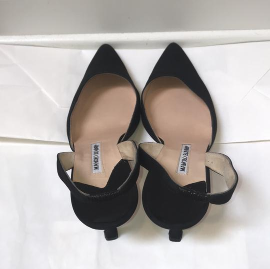 Manolo Blahnik Pointed Toe Slingback black Pumps Image 2