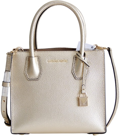 Preload https://img-static.tradesy.com/item/23560015/michael-kors-mercer-medium-crossbody-gold-leather-messenger-bag-0-1-540-540.jpg