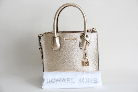 Michael Kors Mercer Leather Crossbody Gold Messenger Bag Image 1