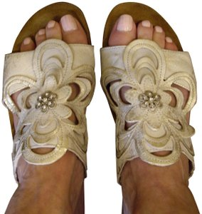Naot Leather Silver Floral Champagne Sandals
