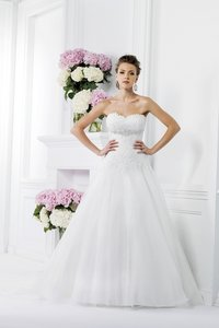 Jasmine Bridal Ivory Silk Organza and Lace F161010 Traditional Wedding Dress Size 10 (M)