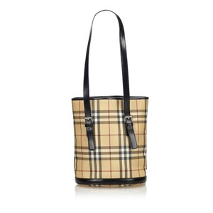 Burberry 8ebush002 Tote in Brown