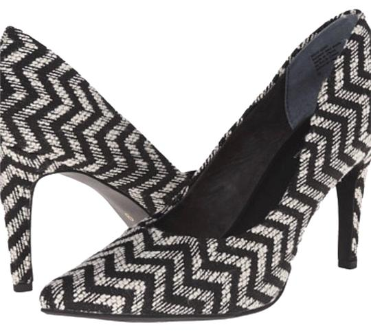 Preload https://img-static.tradesy.com/item/23561953/seychelles-black-and-white-stiletto-pumps-size-us-75-regular-m-b-0-2-540-540.jpg
