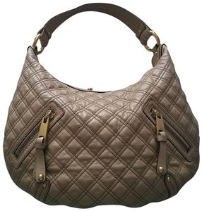 72e39d64cc Marc Jacobs Hobo Bags - Up to 90% off at Tradesy