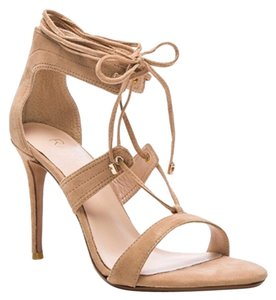 RAYE tan Pumps