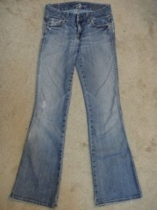 Preload https://item1.tradesy.com/images/7-for-all-mankind-light-wash-boot-cut-jeans-size-25-2-xs-23565-0-0.jpg?width=400&height=650