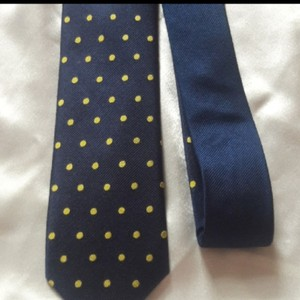 Tommy Hilfiger Silk Jacquard Navy with Yellow Dot Tie/Bowtie