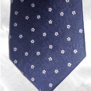 Tommy Hilfiger Silk Jacquard Navy with Tiny White Flowers Tie/Bowtie