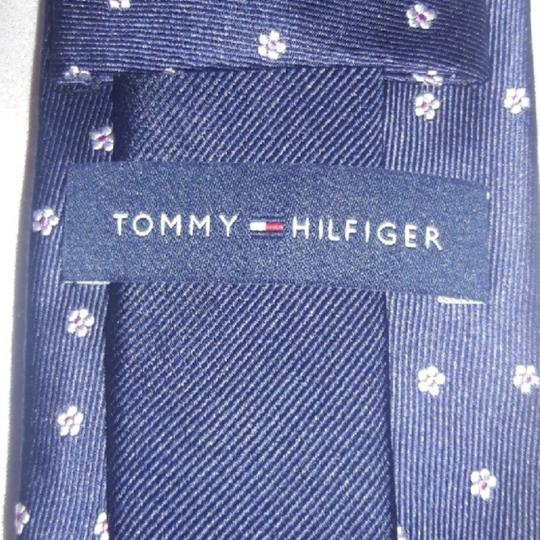 Tommy Hilfiger Silk Jacquard Navy with Tiny White Flowers Tie/Bowtie Image 2