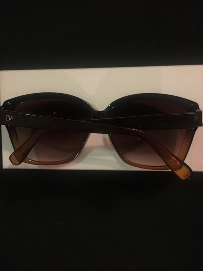 Diane von Furstenberg Diane Von Furstenberg Sunglasses Brown with Chloe case