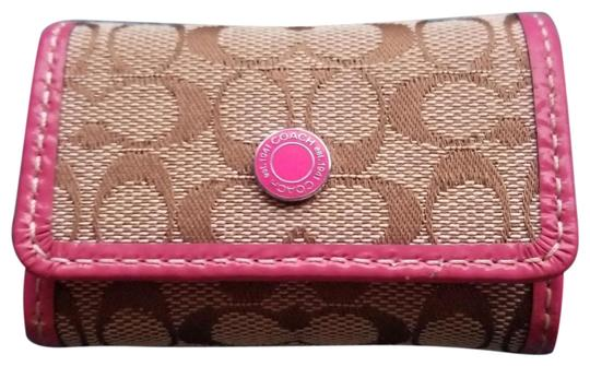 Preload https://item2.tradesy.com/images/coach-pink-leather-and-brown-signature-contact-case-23567081-0-2.jpg?width=440&height=440