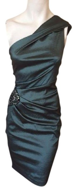 Preload https://img-static.tradesy.com/item/23567476/xscape-green-ruched-emerald-mid-length-formal-dress-size-10-m-0-1-650-650.jpg