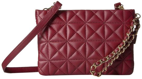 Preload https://img-static.tradesy.com/item/23567503/vince-camuto-doyle-small-samba-red-leather-cross-body-bag-0-1-540-540.jpg