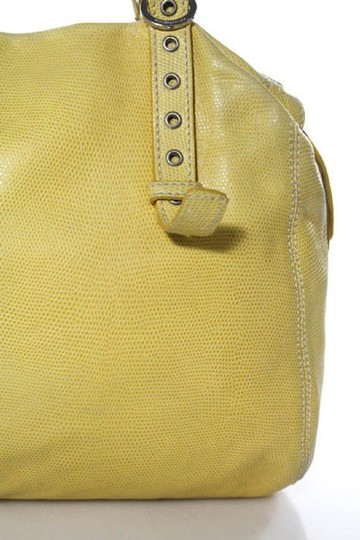 Francesco Biasia Excellent Vintage Italian Made Quality Style Chrome Buckles Color Satchel in pale yellow textured leather