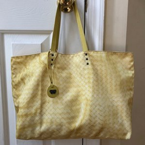 Bottega Veneta Intrecciolusion Travel Tote in Yellow