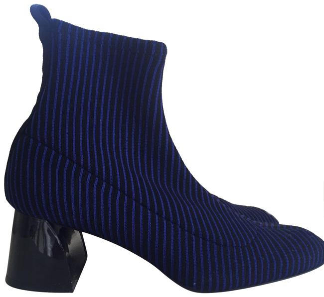 Item - Black and Navy Boots/Booties Size US 9 Regular (M, B)