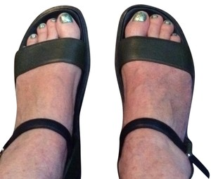 Marni Dark green with black. Sandals