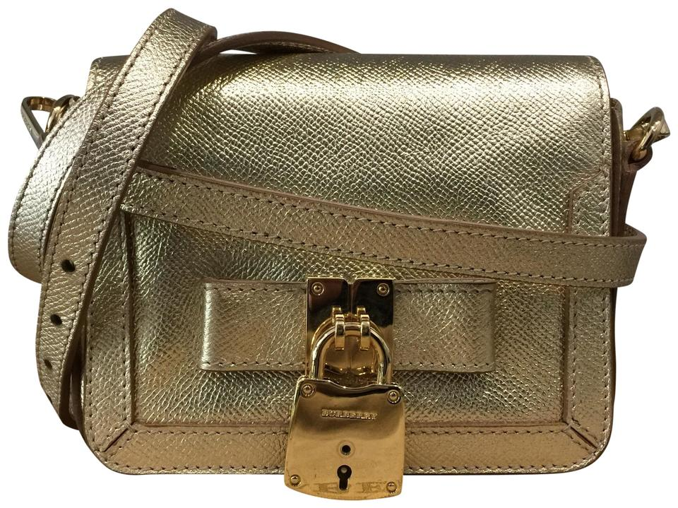 2e8a8dfae5a8 Burberry London Berkeley Lock Bow Metallic Trench Clutch Shoulder Wallet  Gold Leather Cross Body Bag