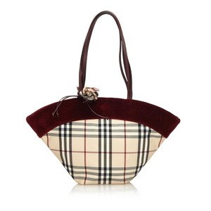Burberry 8fbuto001 Tote in Brown