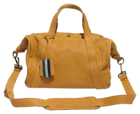 Preload https://item3.tradesy.com/images/madewell-the-stockholm-vintage-gold-leather-satchel-2357137-0-0.jpg?width=440&height=440
