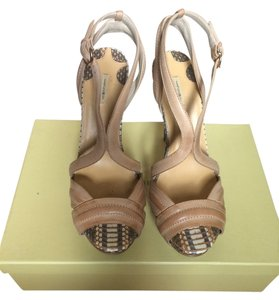 Max Studio Crocodile Leather Heels Tan Pumps