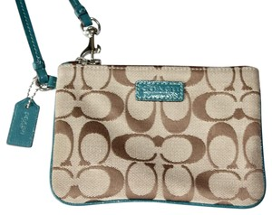 Coach Everyday Signature Wear To Work Wristlet