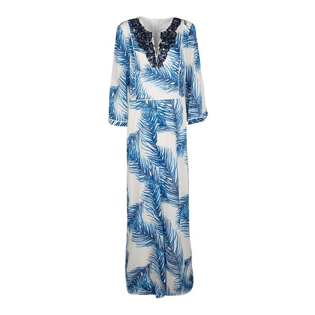 Preload https://img-static.tradesy.com/item/23579290/tory-burch-white-and-blue-feather-print-sequin-embellished-silk-long-casual-maxi-dress-size-10-m-0-0-650-650.jpg