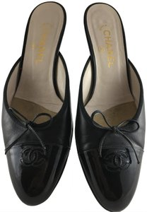 Chanel Bows Black Patent Toes Black Leather Upper Mules