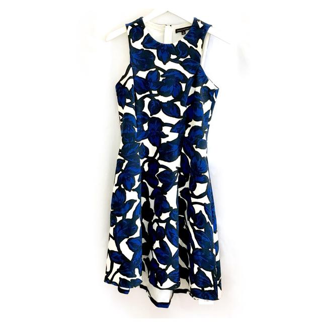 Preload https://img-static.tradesy.com/item/23579591/banana-republic-bluewhite-floral-fit-and-flare-mid-length-short-casual-dress-size-2-xs-0-0-650-650.jpg