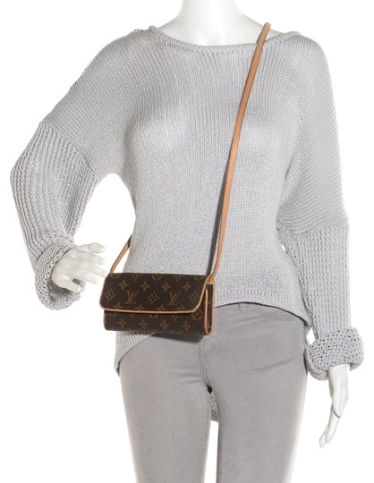 Preload https://img-static.tradesy.com/item/23579776/louis-vuitton-pochette-twin-pm-brown-tan-canvas-and-leather-shoulder-bag-0-1-540-540.jpg