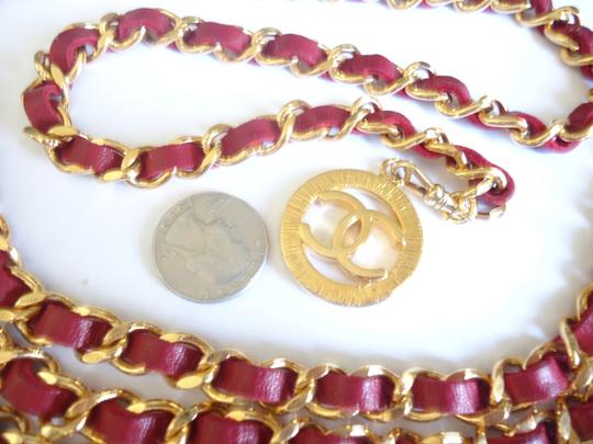 Chanel Chanel 31 rue cambon coin w/ red leather 3 row chain belt