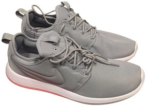 Nike Sneakers Roshe Athleisure Running Grey & White Athletic