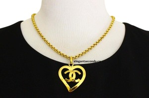 Chanel Authentic Vintage Chanel Gold Plated Necklace Pedant