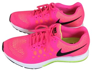 premium selection bc9ad a6c67 Nike hot pink Athletic - item med img