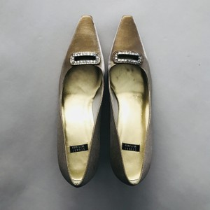 Gold Pumps Size US 9.5 Regular (M, B)