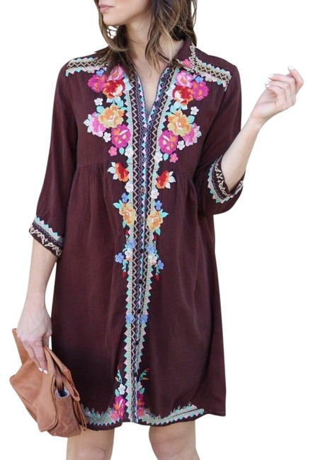 Preload https://img-static.tradesy.com/item/23585997/johnny-was-maroon-embroidered-button-down-short-casual-dress-size-6-s-0-5-650-650.jpg