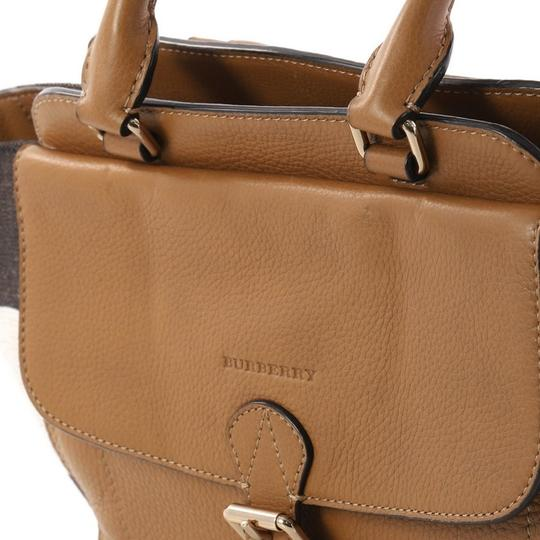 Burberry Leather Satchel in camel Image 6