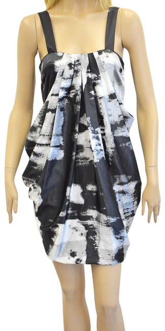Item - Black/White Black/White Floral Cocktail Small Rf Mid-length Night Out Dress Size 4 (S)