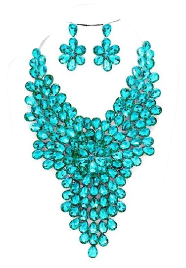 Preload https://img-static.tradesy.com/item/23588231/blue-silver-teardrop-crystal-and-rhineston-cluster-vine-statement-evening-necklace-0-1-540-540.jpg