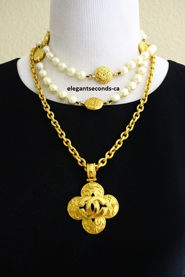 Chanel Auth. Vintage Chanel Gold Plated Necklace Image 1