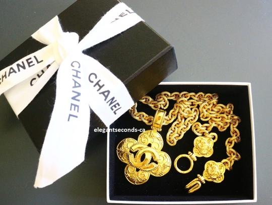 Chanel Auth. Vintage Chanel Gold Plated Necklace Image 3