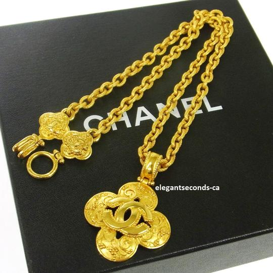 Chanel Auth. Vintage Chanel Gold Plated Necklace Image 5