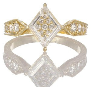 Unknown 18k Yellow Gold & Portrait Cut Diamond Fashion Ring