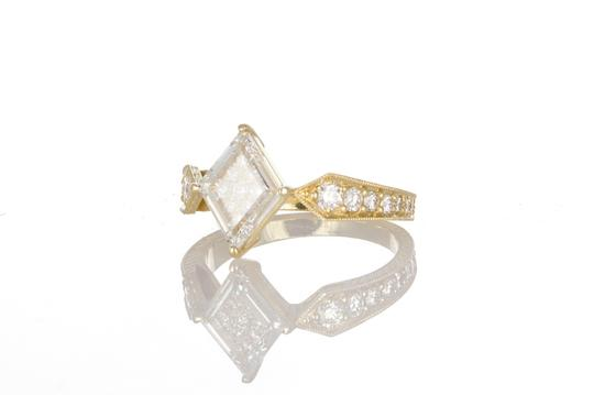 Unknown 18k Yellow Gold & Portrait Cut Diamond Fashion Ring Image 1