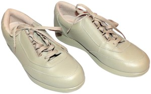 Hush Puppies Walking Bounce The Body Beige Athletic