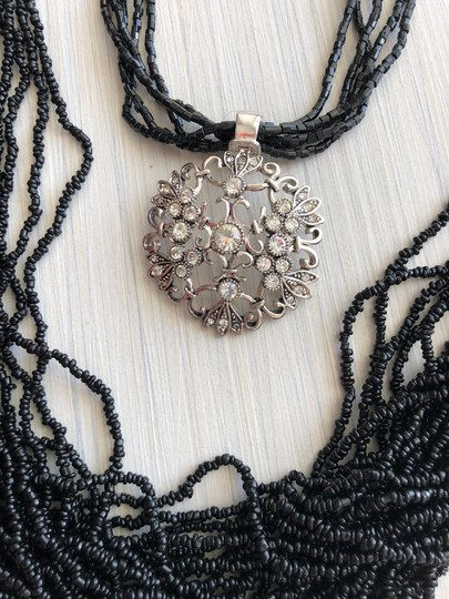 Other Set of two necklaces Image 7