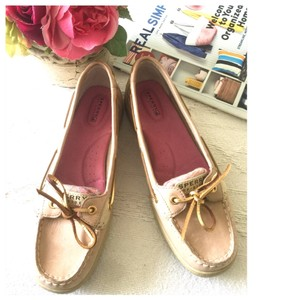 Sperry cream and Rose Flats